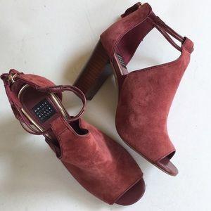 EUC White House Black Market Wine Leather Heels